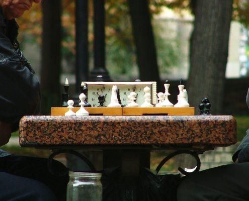 old-chessman-1313933-1920x1440